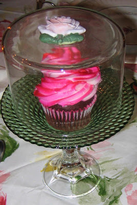 TABLESETTING- Putting on the Pink- Mini Cup Cake Plates & how to make mini cup cake plates | Lady Katherine Tea Parlor