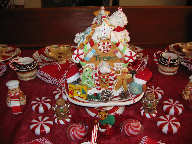 But Gourdy the Country Mouse did show up with his Santa hat on the right side of the house. & peppermint gingerbread table setting | Lady Katherine Tea Parlor