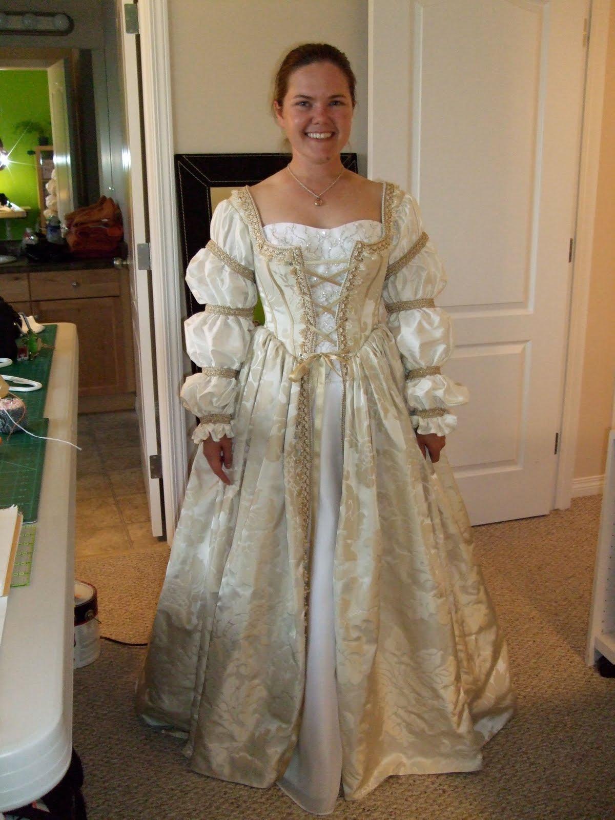The Funky Seamstress: Amy's Renaissance Wedding Dress ...