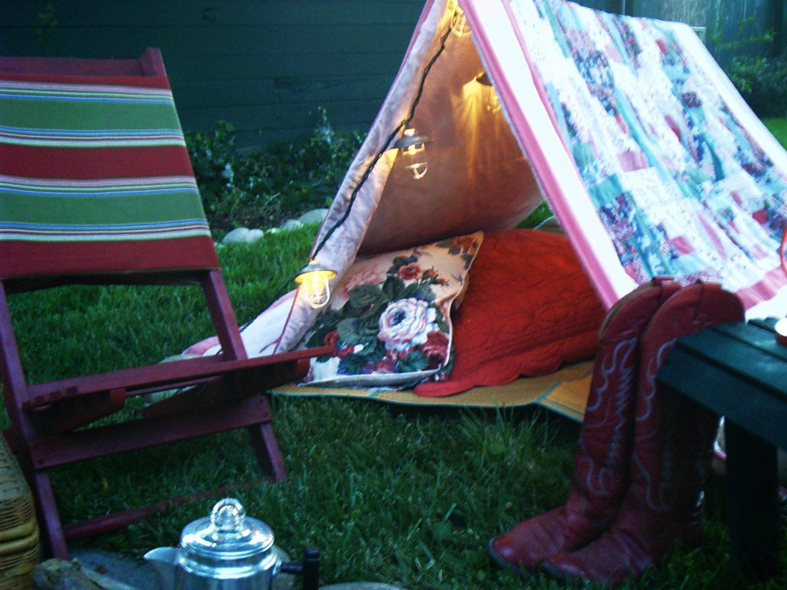 Lit camp places