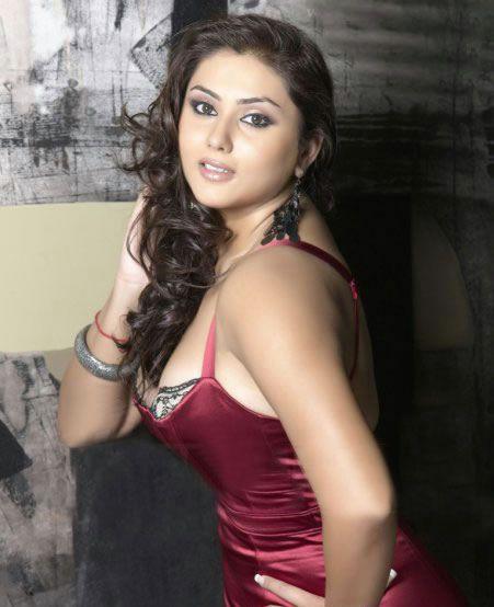 Murattu Kaalai Movie Latest Stills: Actress Film Picture: Sexy Actress Namitha Latest Hot