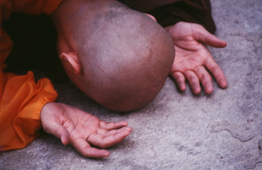 monk-bowing-down.jpg