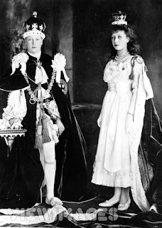 Edward and Mary in Royal regalia