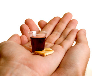 http://3.bp.blogspot.com/_5WUZDXTJTFw/TRdKswZCZvI/AAAAAAAACmw/hSxH0BXfNto/s320/communionhands.jpg