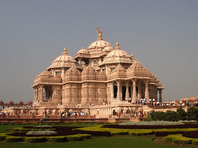 https://3.bp.blogspot.com/_5WuI9B-jF8g/TB9TkGmxogI/AAAAAAAADWo/H3z8fNU3v5k/s1600/New+Delhi+Temple.jpg