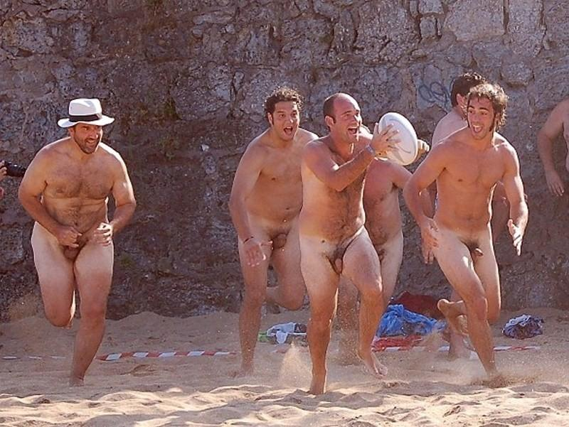 men play sports naked