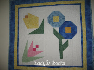 LadyD Books: Aunt Margaret Quilt