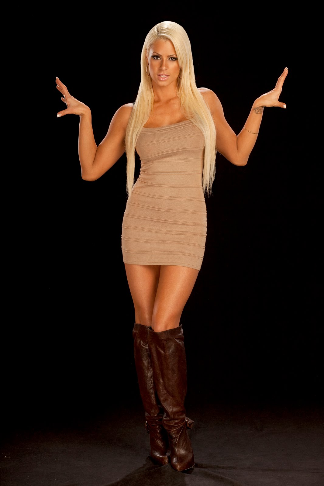 Best Gift For Wife 2016 Wwe Superstars Hot And Sexy Maryse Ouellet