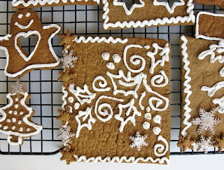 IMG_8764 COMING HOME FOR THE HOLIDAYS:GINGERBREAD HOUSE WITH DARING BAKERS