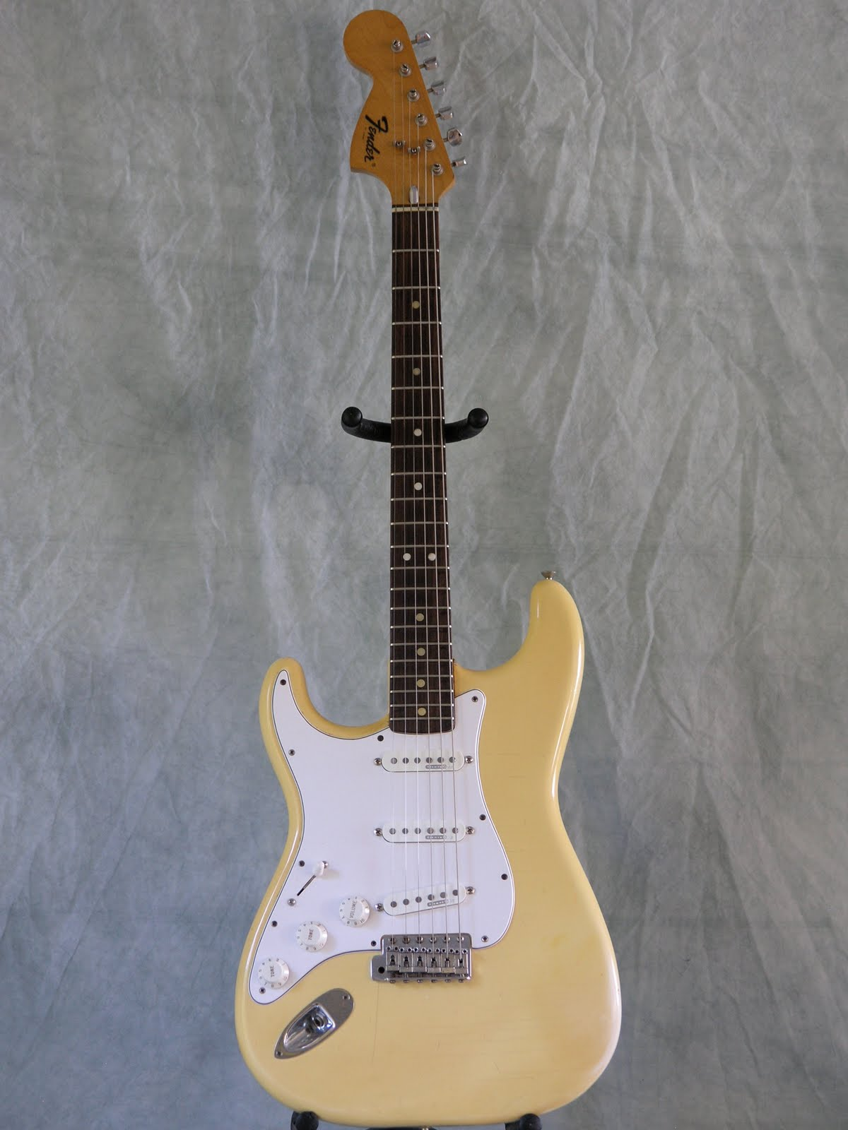 jerry 39 s lefty guitars newest guitar arrivals updated weekly 1975 fender standard strat usa. Black Bedroom Furniture Sets. Home Design Ideas