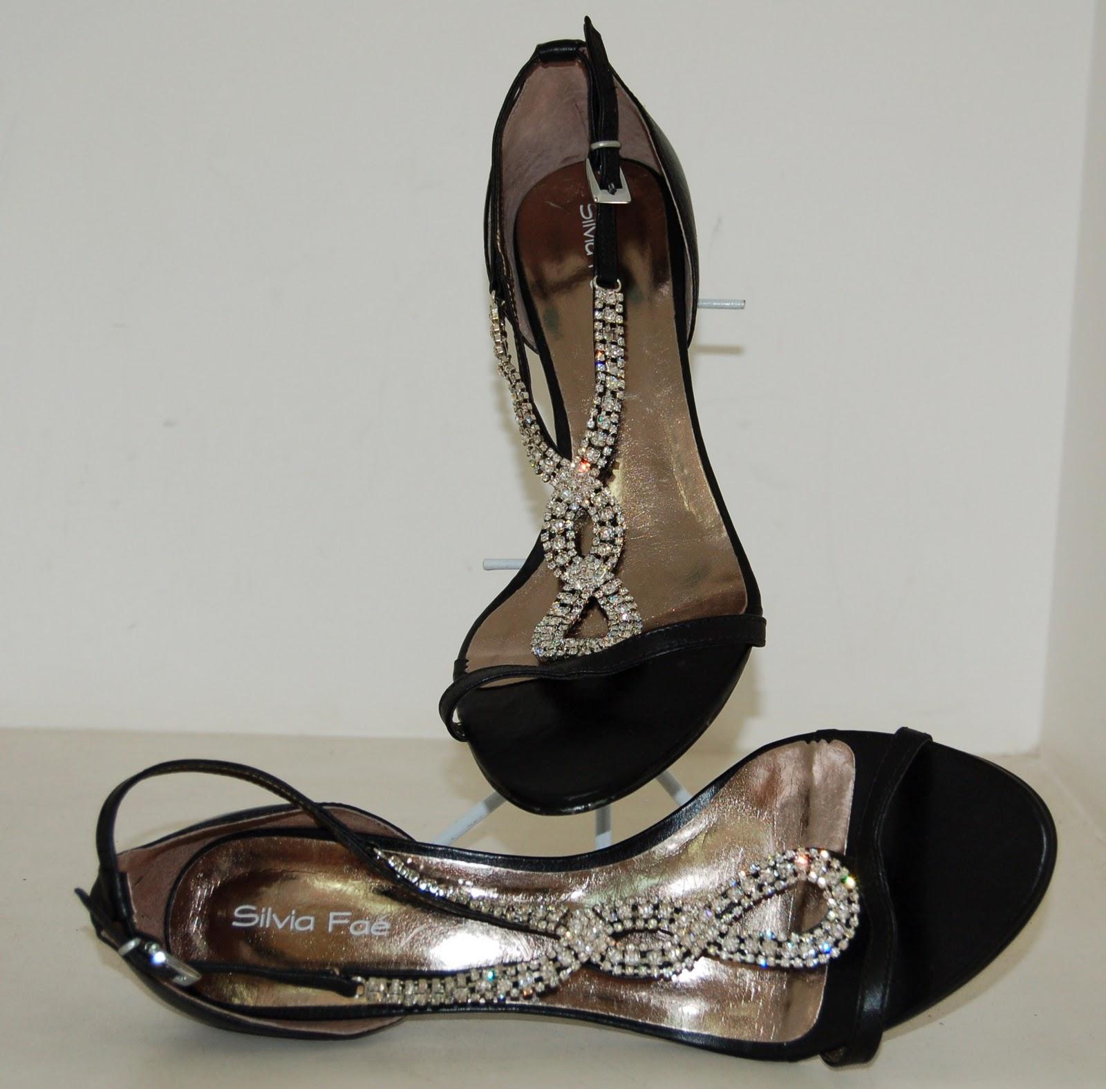 03bdb0ec0 oBlogdasLoucas: Sandálias de festa em promoção loja Silvia Faé