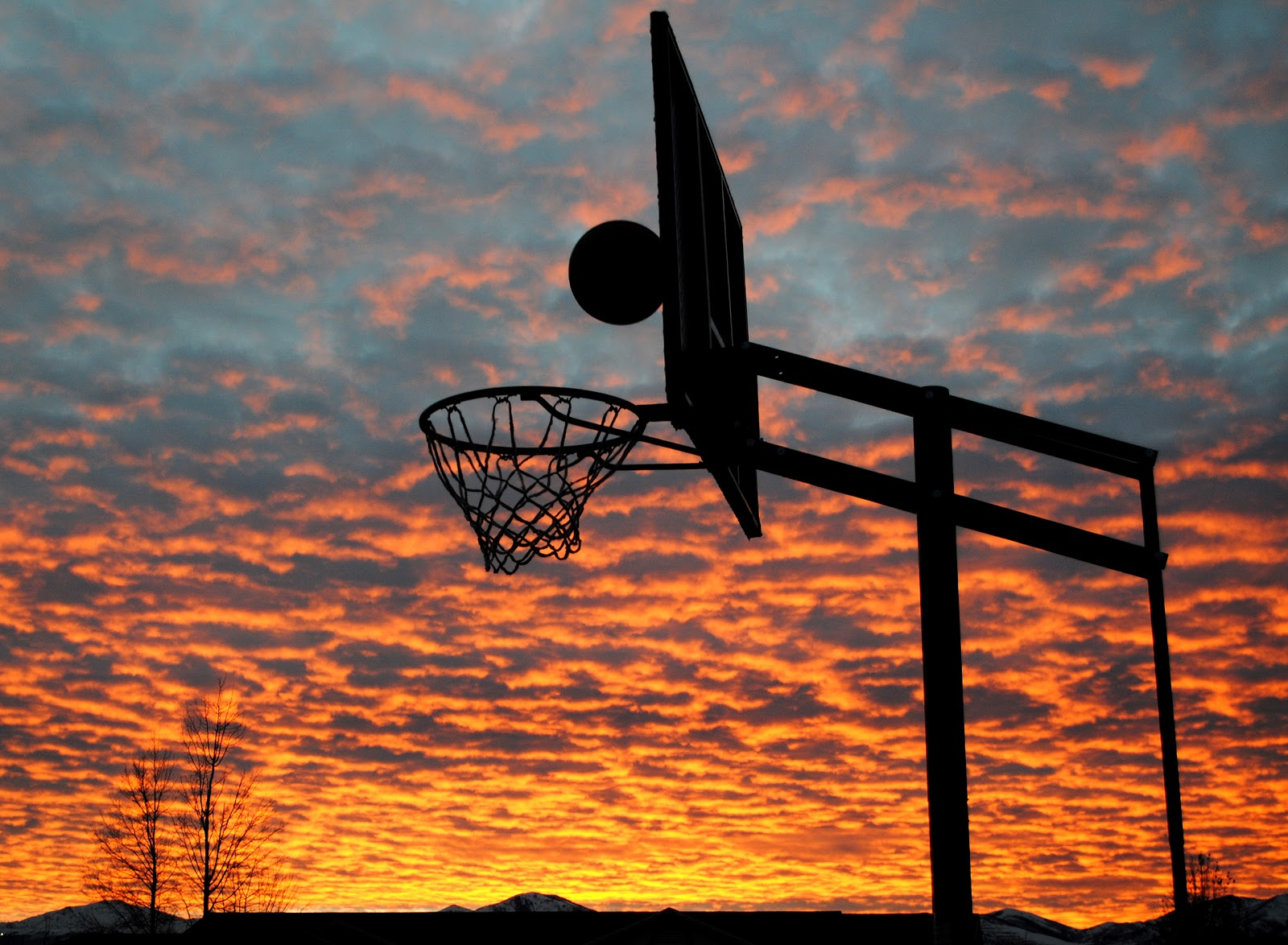 Hideaway Girl: Sunset Basketball