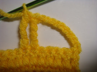 how to crochet a car appliqué - step #7