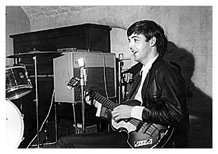 Beatles Magazine The Beatles En The Cavern 1962 Review border=