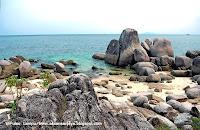 Pulau Lampu Pantai Penyusuk Bangka
