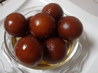 A few of my favorite foods : Gulab Jamun