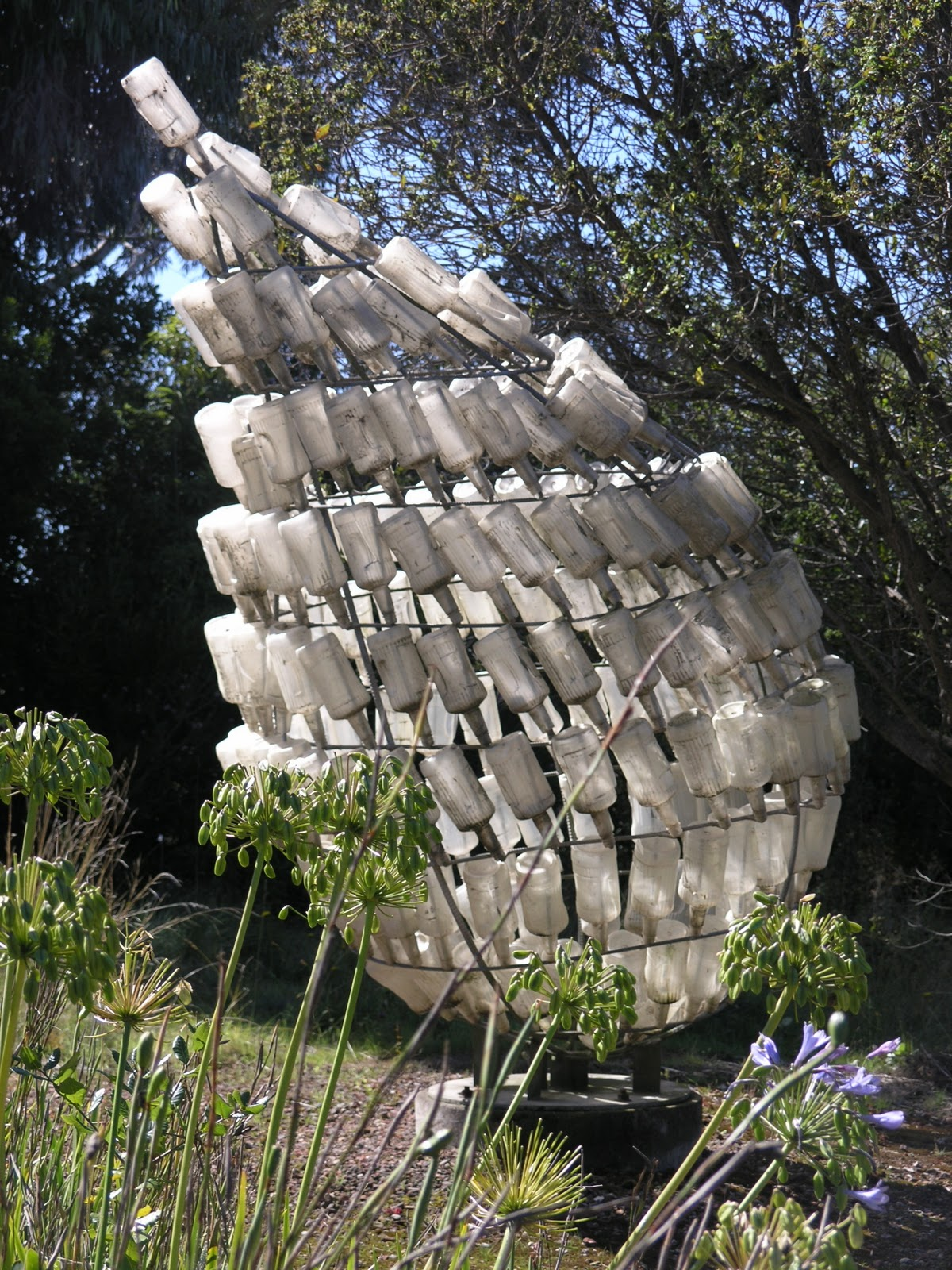 Repurposed and recycled creative ideas for garden design for The garden design sk