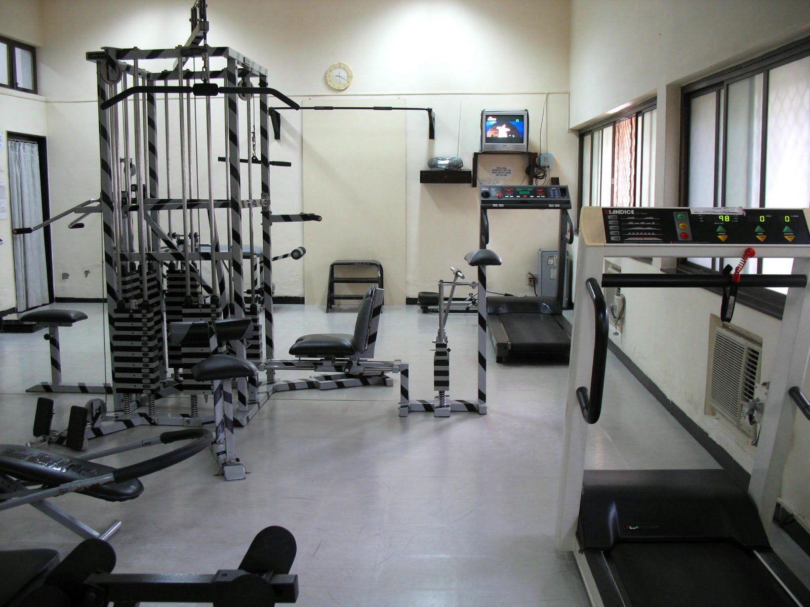 Stock Pictures: Gymnasium and training equipment