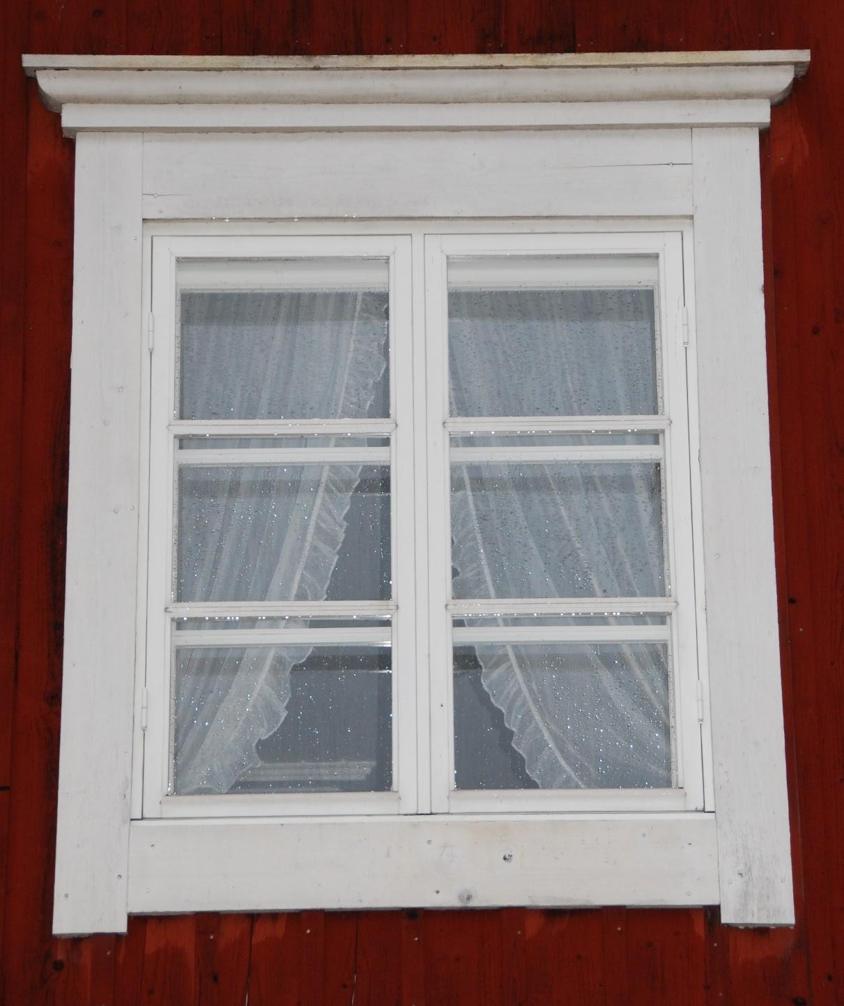 Ikkunan vuorilauta koristeet – Perustukset ja valu