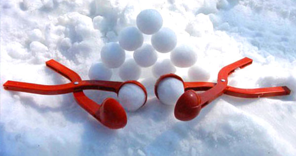 Sno-Baller The Perfect Snowball Maker