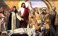 Resultado de imagen para Cuando a los pocos días volvió Jesús a Cafarnaún, se supo que estaba en casa. Acudieron tantos que no quedaba sitio ni a la puerta