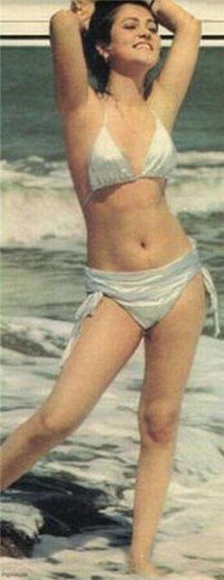 Dia Mirza Cute Wallpapers Mandakini In Bikni Photos Of Indian Models And Actresses