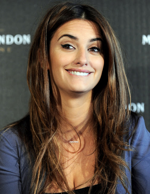 Penelope Cruz Is Most Popular And Hot Hollywood Actress