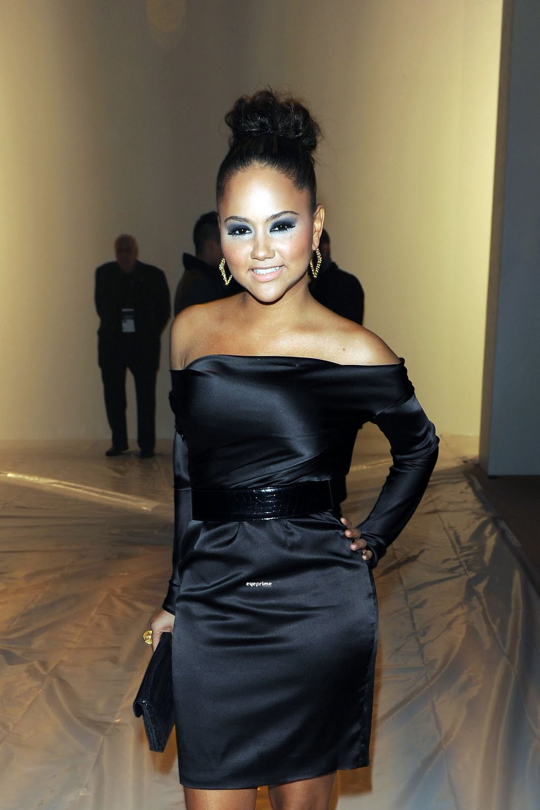 Wallpaper Desktop Fall Wallpaper World Kat Deluna Photo The Christian Siriano