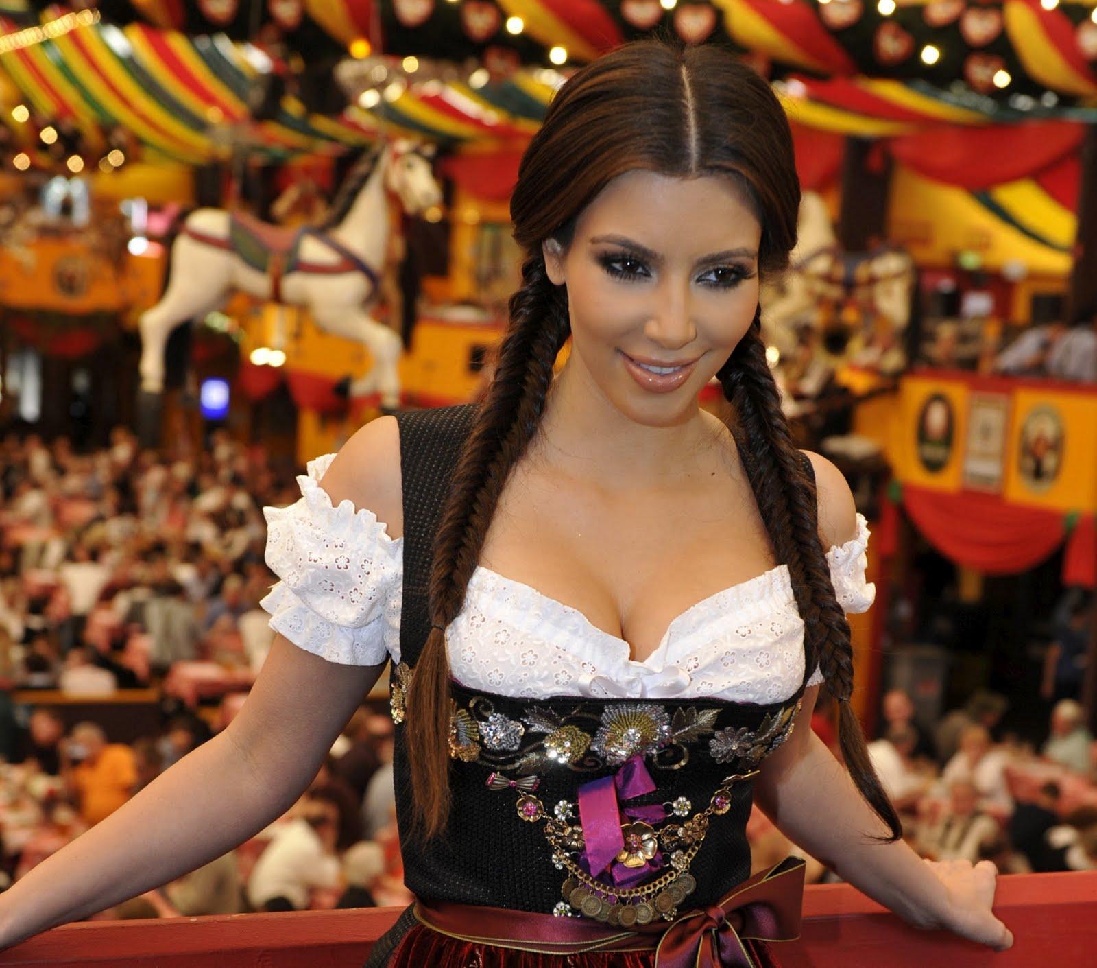 Wallpaper World Kim Kardashian At Oktoberfest In Munich -7937