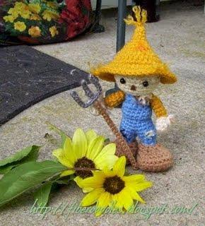 Crochet Halloween Cat Toy Softies Amigurumi Free Patterns | Halloween  crochet patterns, Crochet pumpkin pattern, Crochet cat pattern | 320x290
