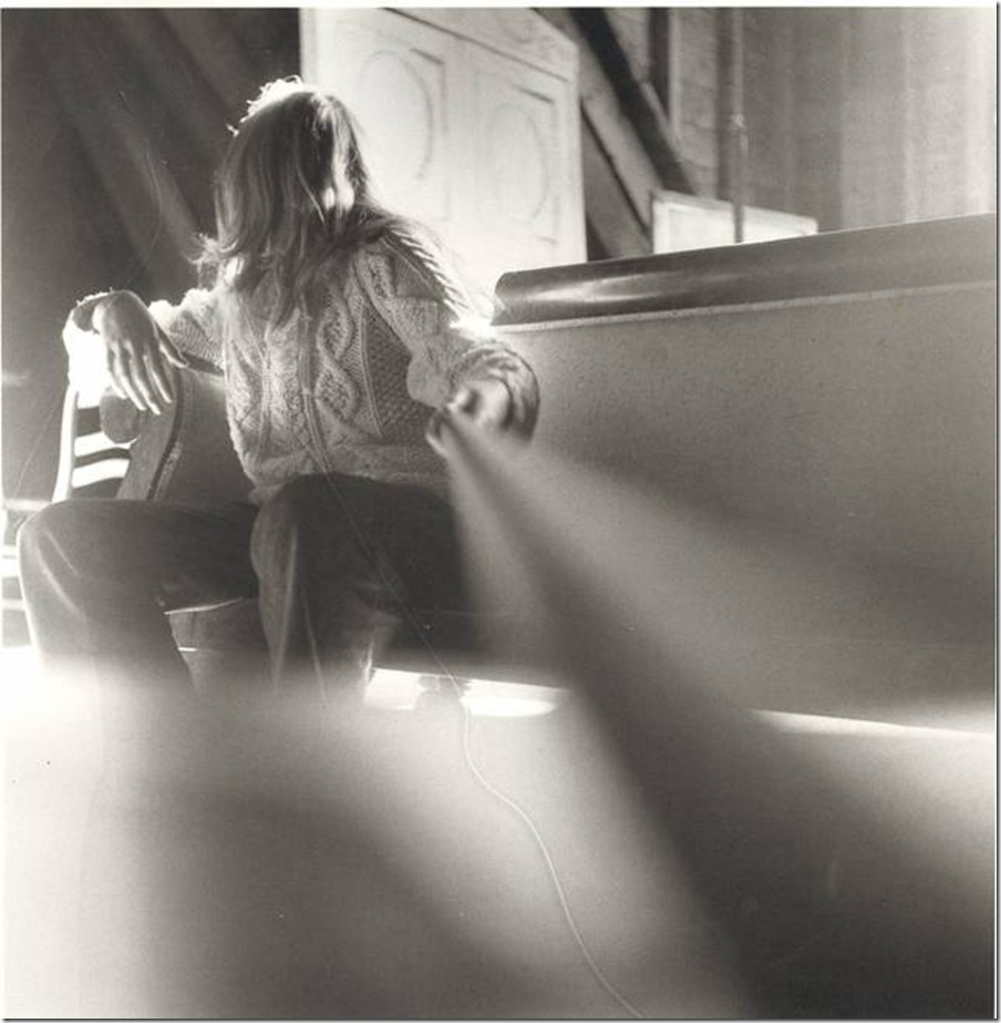 241d5af8a6 Posted by Unknown | Posted in Photos: Francesca Woodman - Part 1 - Bio Wiki  Data - Castellano and English - Analisis critico por Ricardo Marcenaro |  Posted ...