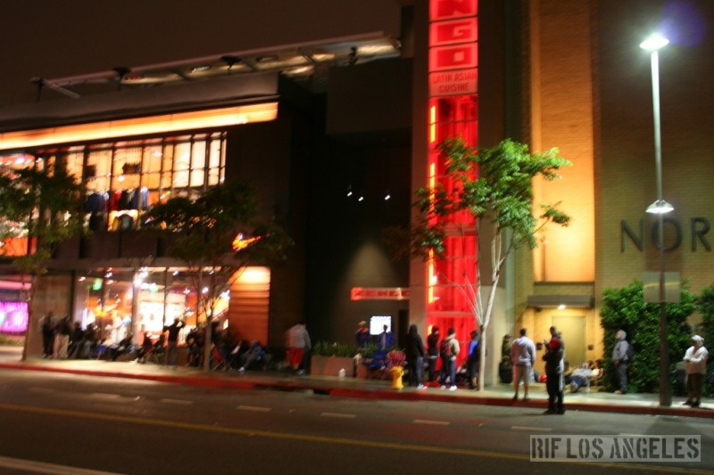 half off a692a 68692 ... be that serious and I thought you can t camp out in Santa Monica mall  until 5AM, but I guess not... The line outside Nike Santa Monica around  3-4 40AM.