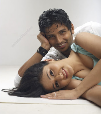 Kacheri Arambam movie stills jeeva poonam bajwa | New Movie