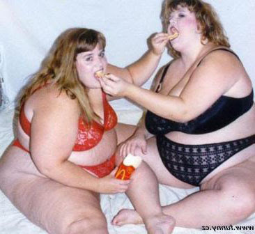 Fat girls kissing