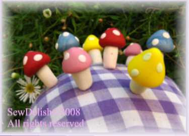 Mushroom pins Scupley Fimo pincushion craft project sewing