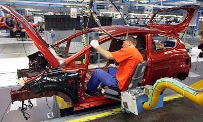 ...в реконструкцию и модернизацию завода, Ford надеется, что 4000 рабочих.