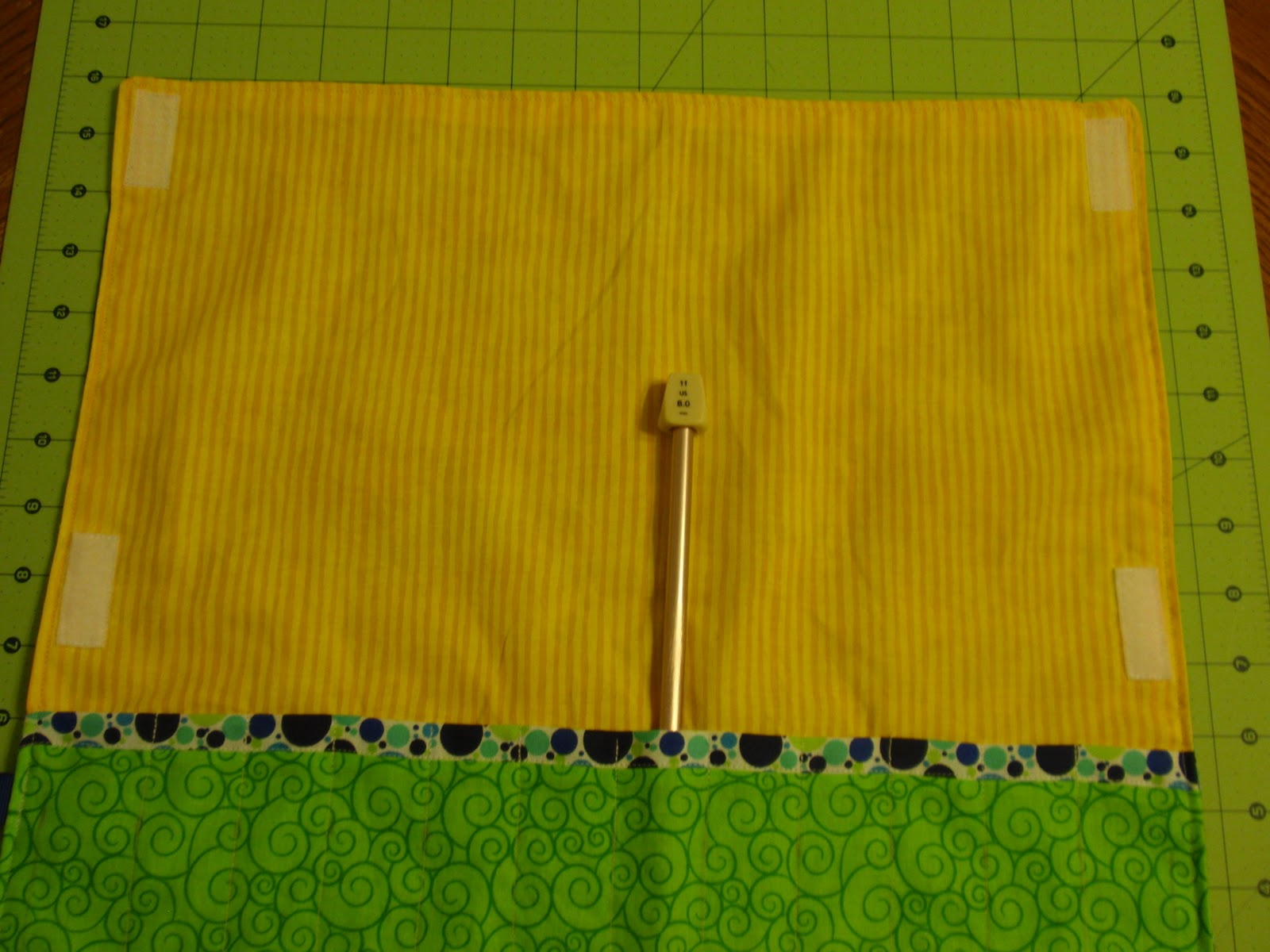 Diary of a Crafty Lady: Knitting Needle Roll up Holder - Tutorial