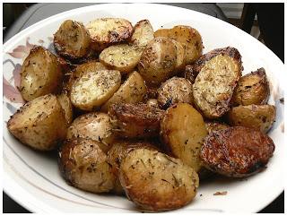 le palais gourmand pommes de terre grelot au beurre d 39 ail et fines herbes. Black Bedroom Furniture Sets. Home Design Ideas