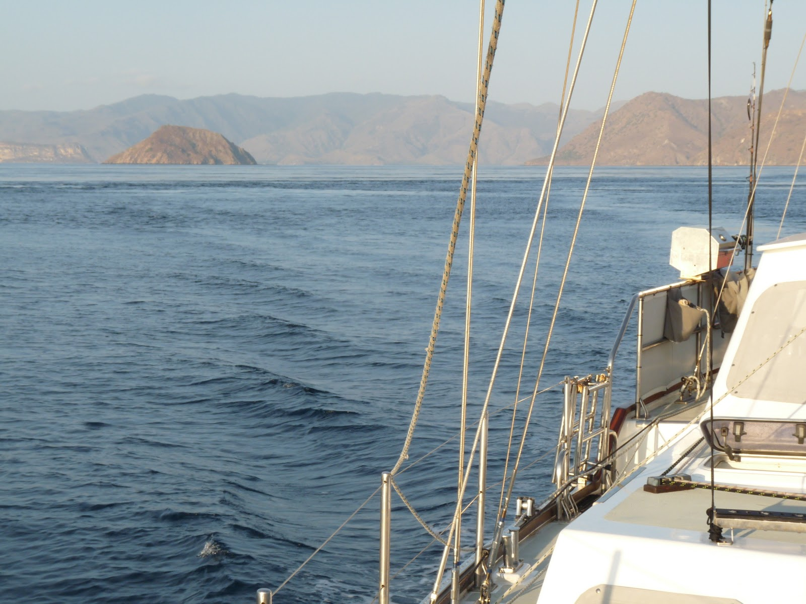 Cognac Sailing Komodo Island And The Dragons Delayed Approaching Absolutely Stunning Some Of 162 Islands