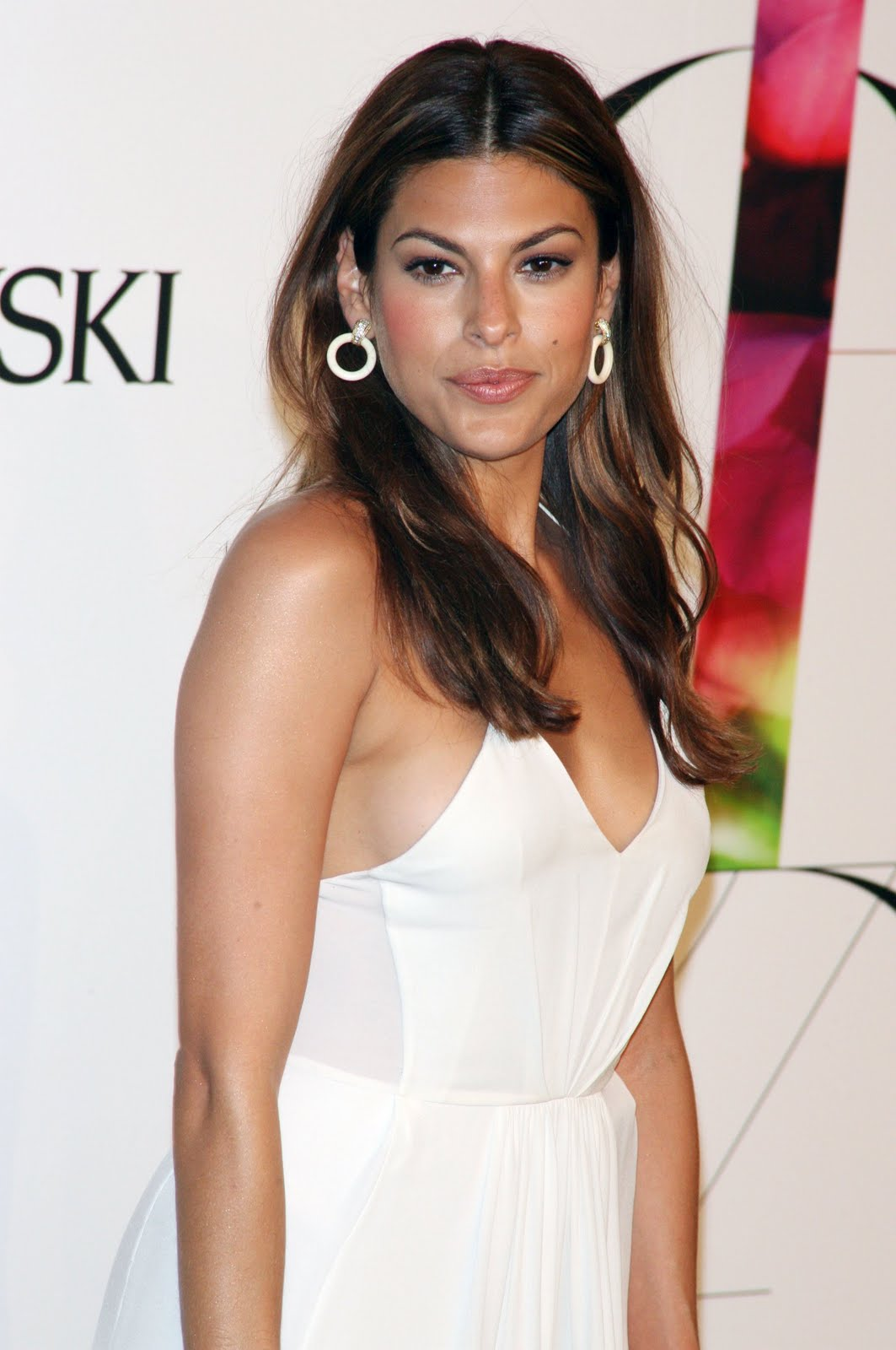 Top 99 Female: Eva Mendes Sexy Pics, Hot Eva Mendes Photo ...