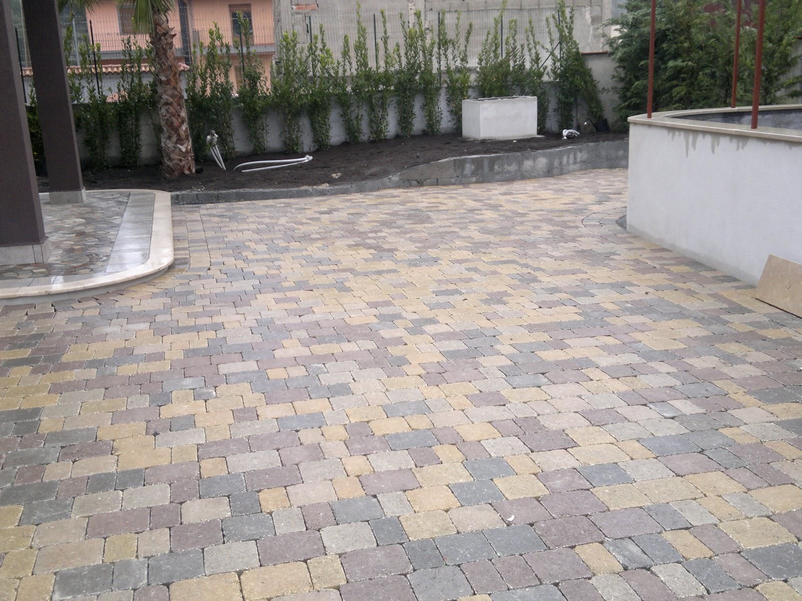 Piastrelle esterno drenanti cement outdoor floor tiles with