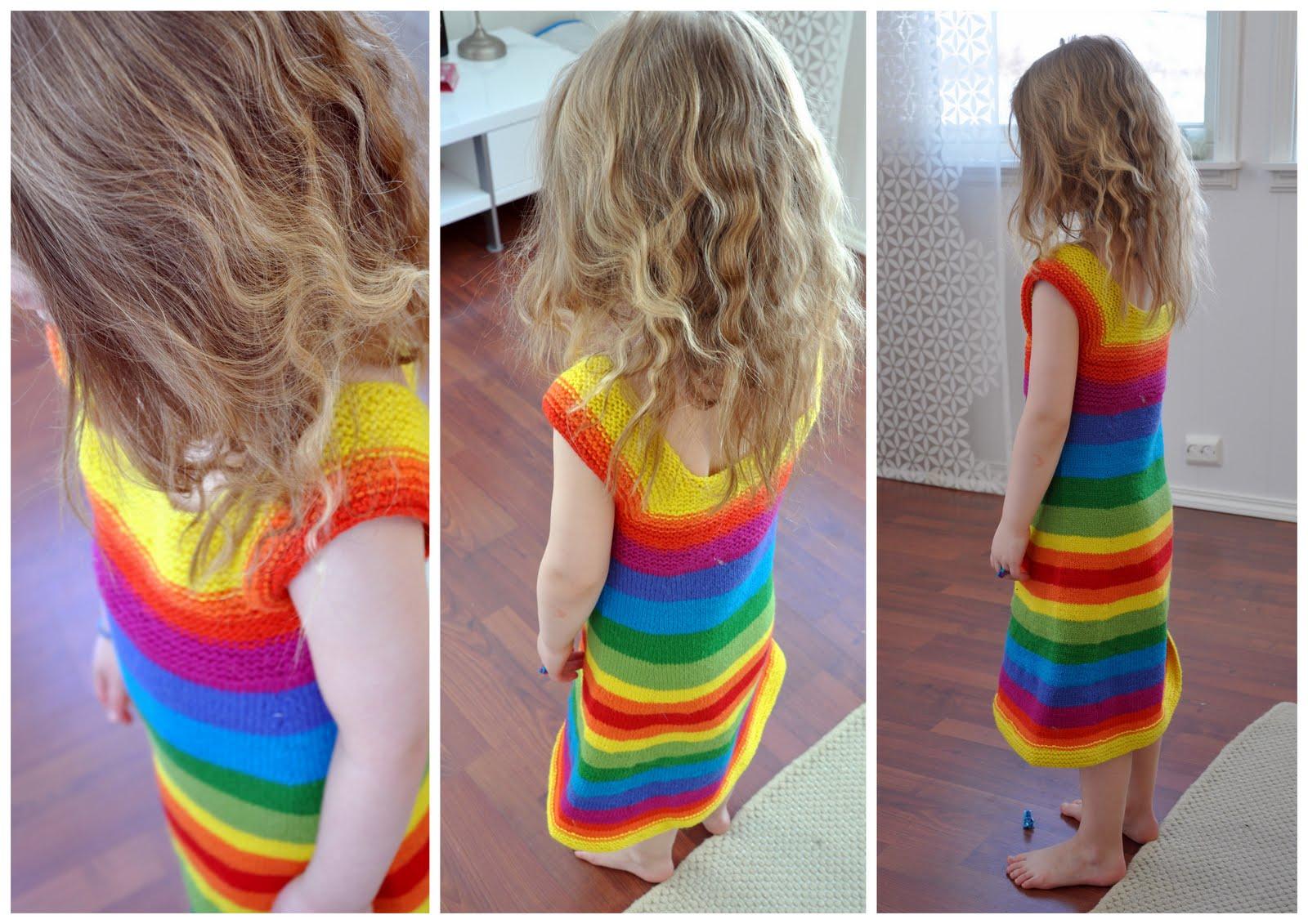 2255691f Har strikket på denne kjolen siden september. Og det har gått trått. Med  ikke-så-tykt-garn og ikke-så-store-pinner så ligger det vell 50 000 masker  i denne ...