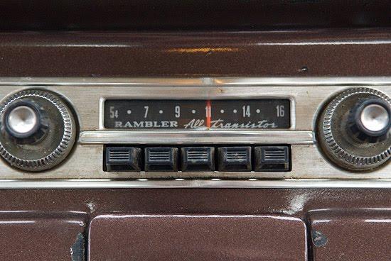 https://i0.wp.com/3.bp.blogspot.com/_6wmBHLxLE-8/TNK989tnXDI/AAAAAAAAAGc/1O2zODrwmt4/s1600/car+radio.jpg