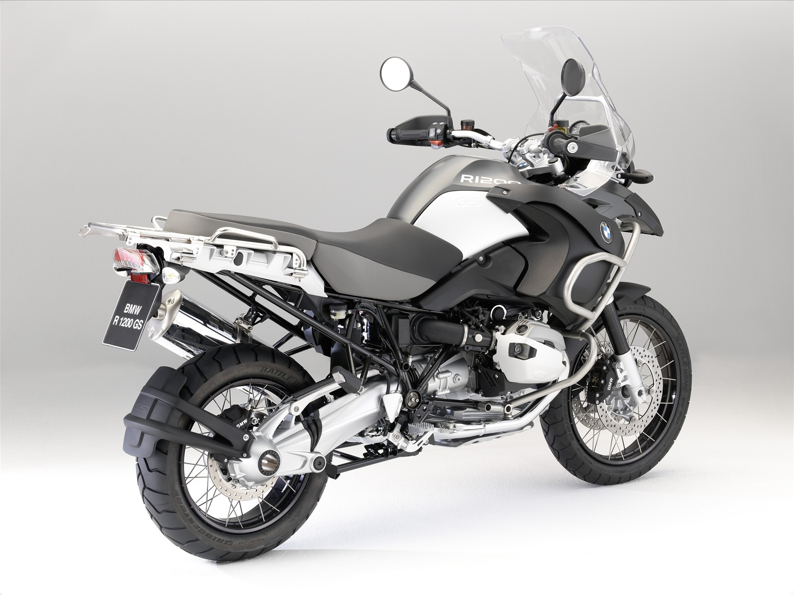 http://3.bp.blogspot.com/_71VYESfu88A/SwIGD9wDruI/AAAAAAAABNU/D7eGW7o2RQs/s1600/The-New-BMW-R-1200-GS-Adventure-30.jpg
