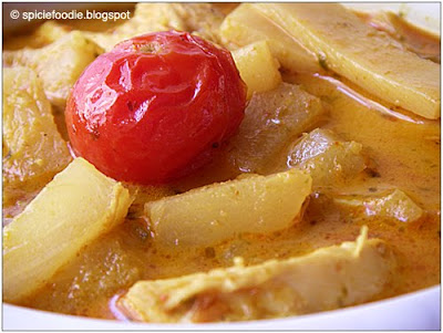 curry bamboo shoots,cherry tomatoes,pineapple