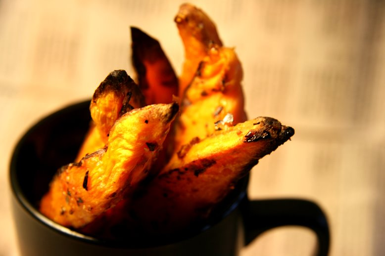 :: CRISPY SWEET POTATO WEDGES