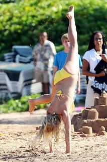 Broklyn decker bikini nip slip