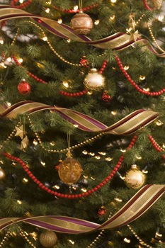 By Michelle Lynne Christmas Tree Decorating With Ribbon