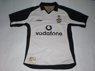 d84b76e91 Patch Them UP !  Man United 2001 02 Away   Third Kit (Gold Side)