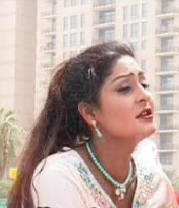 models photos priceless: Pashto film actress Nazo biography
